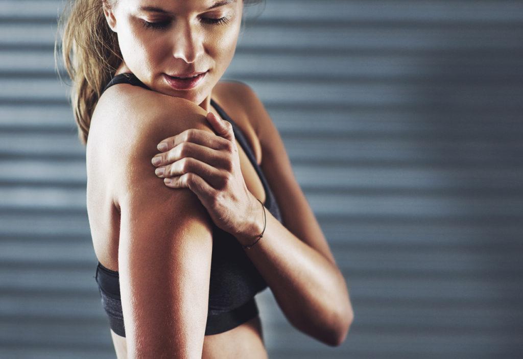 Sinais de que a dor no braço pode ser indício de problemas de coluna