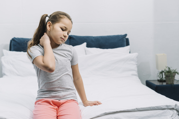 Dor nas costas: quando devo levar meu filho ao ortopedista?